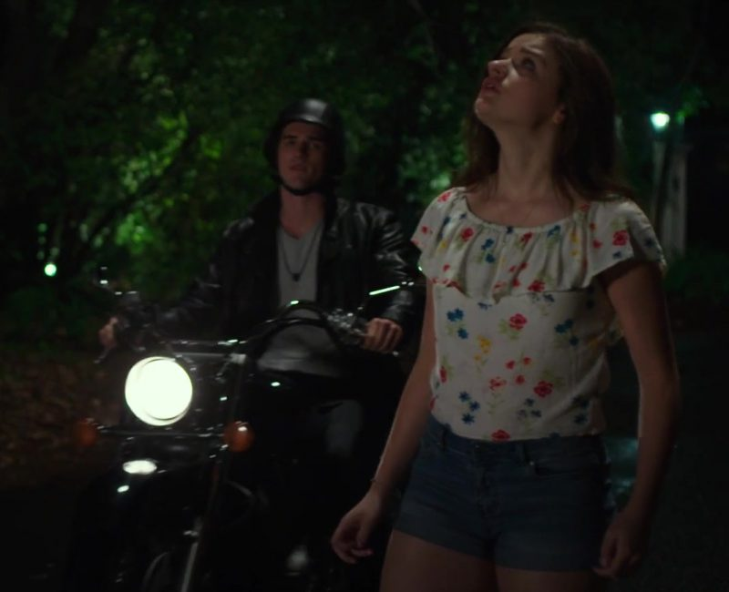 Fashion Trends 2021: Blouse and Denim Shorts Worn by Joey King in The Kissing Booth