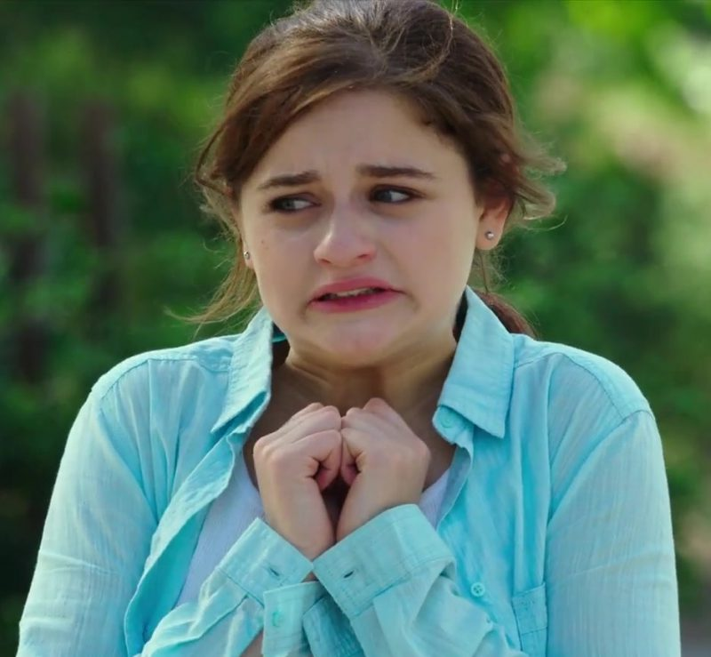 Blue Shirts Worn by Joey King in The Kissing Booth Movie - Female Fashion