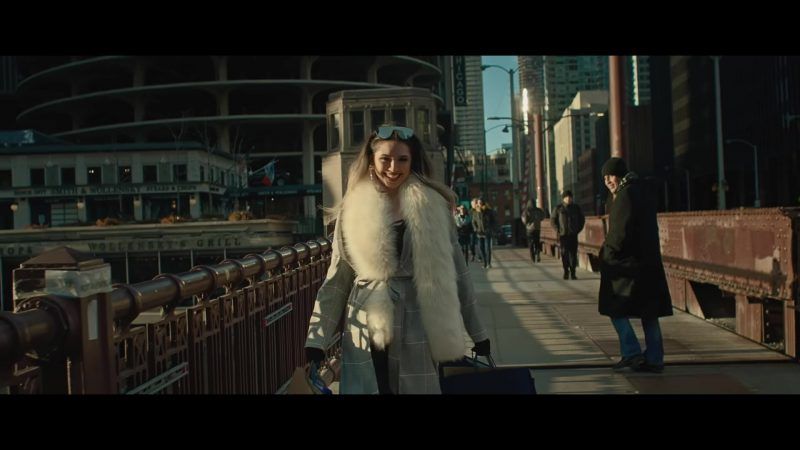 """Coat and Fur Stole in """"TU POSTURA"""" by BANDA MS Music Video"""