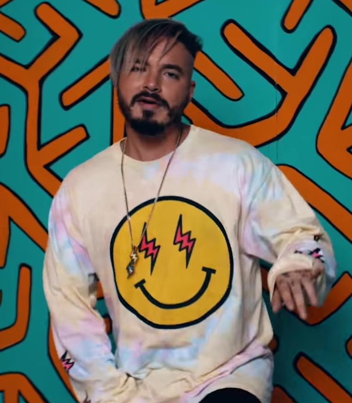 Emoji Sweatshirt Worn by J Balvin in Mi Gente ft. Willy William (Official Music Video) - Youtube Outfits and Products