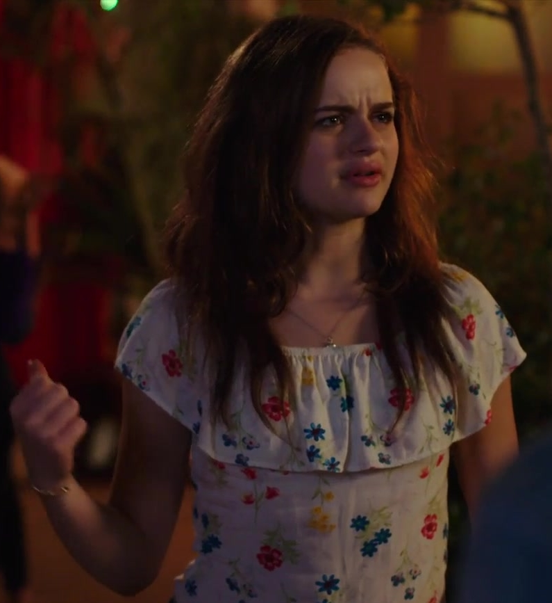 Floral Blouse Worn by Joey King in The Kissing Booth Movie