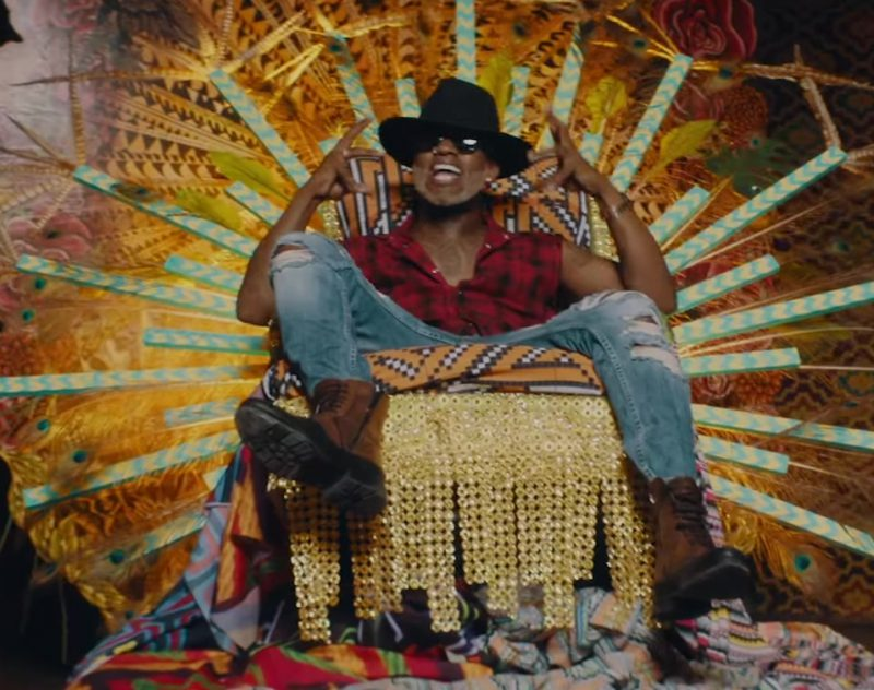 Plaid Sleeveless Shirt and Ripped Jeans Worn by Willy William in Mi Gente ft. J Balvin (Official Music Video) - Youtube Outfits and Products