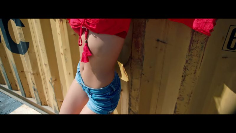 "Red Crop Top and Denim Shorts Worn by Model in ""Única"" by Ozuna Music Video - Youtube Outfits and Products"