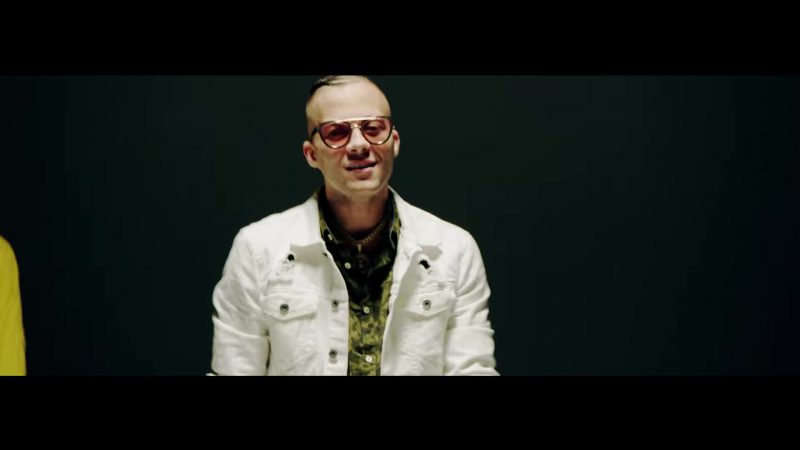 White Jacket and Sunglasses in Te Bote Remix by Casper, Nio García, Darell, Nicky Jam, Bad Bunny, Ozuna Music Video - Youtube Outfits and Products