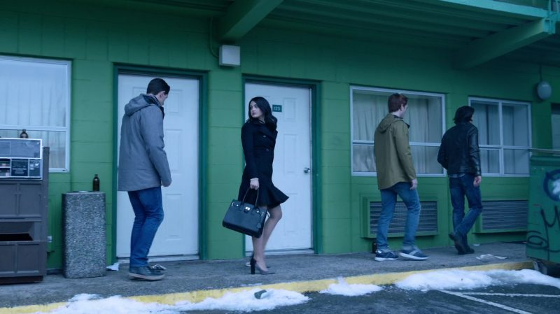 """Fashion Trends 2021: Black Coat and High Heels Worn by Camila Mendes in """"Riverdale"""""""