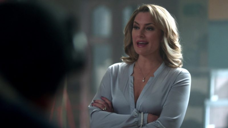 """Blouse Worn by Mädchen Amick in """"Riverdale"""" - TV Show Outfits and Products"""