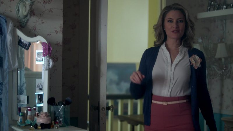 """Blue Cardigan, Ruffle Blouse and Skirt With Belt Worn by Mädchen Amick in """"Riverdale"""" - TV Show Outfits and Products"""