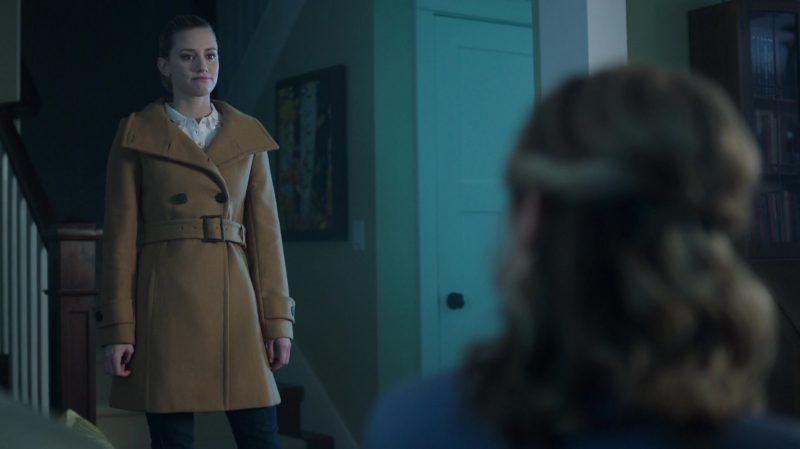 "Camel Coat Worn by Lili Reinhart in ""Riverdale"" TV Show - Female Celebrity Style"