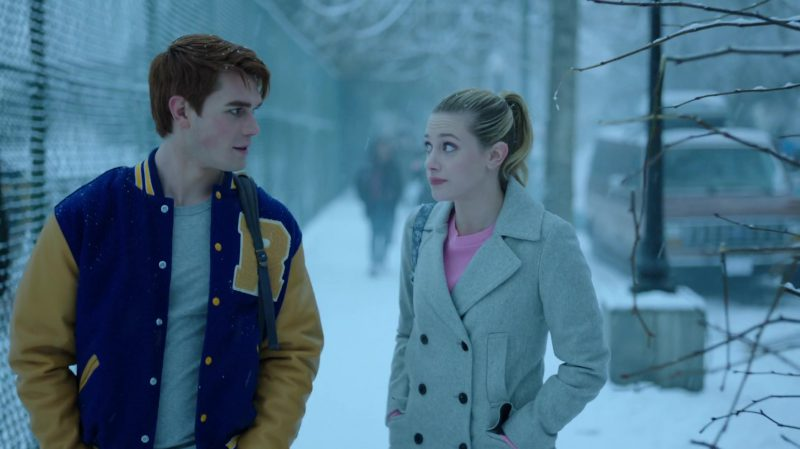 """Fashion Trends 2021: Coat and Pink Sweater Worn by Lili Reinhart in """"Riverdale"""""""