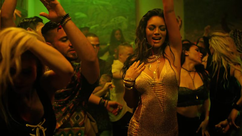"""Gold Dress Worn by Model (Zuleyka Rivera) in """"Despacito"""" Music Video by Luis Fonsi ft. Daddy Yankee - Youtube Outfits and Products"""