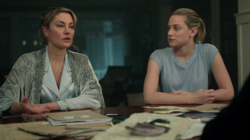 "Grey Tee Worn by Lili Reinhart in ""Riverdale"" TV Show"