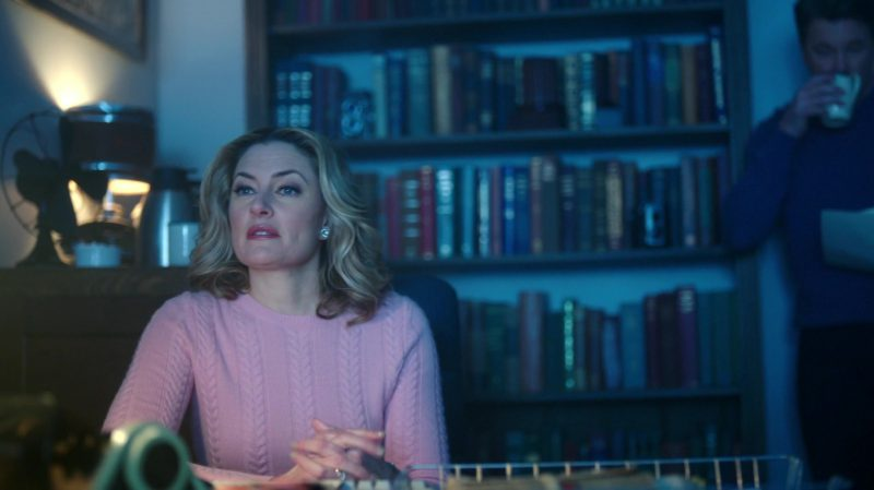 "Knit Pink Sweater Worn by Mädchen Amick in ""Riverdale"" TV Show - Female Fashion Outfits and Products"