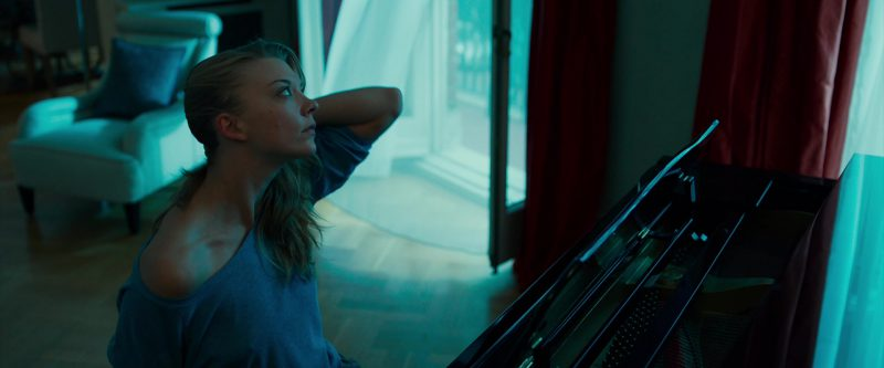 """Oversized Long Sleeve Tee Worn by Natalie Dormer (""""In Darkness"""") - Movie Outfits and Products"""