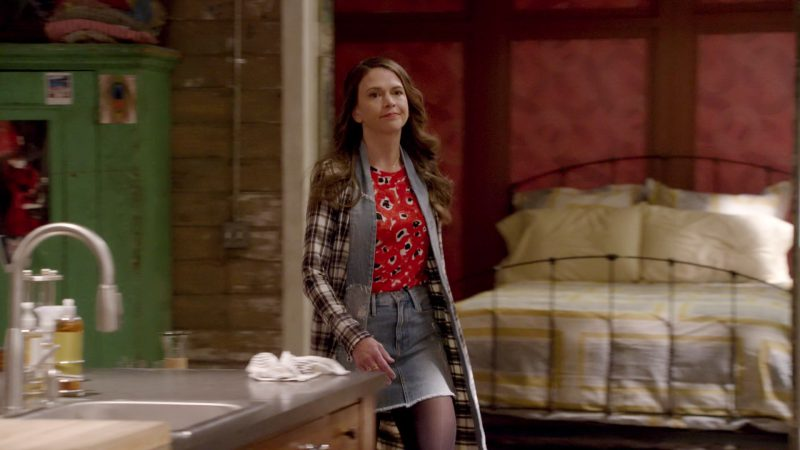 """Plaid Coat, Floral Blouse and Denim Skirt Worn by Sutton Foster in """"Younger"""" TV Show - Female Celebrity Style"""