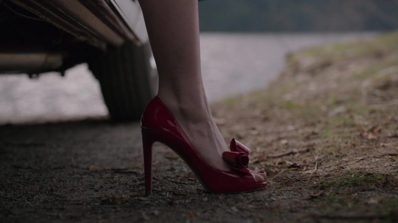 "Red Peep Toe Pumps Worn by Madelaine Petsch in ""Riverdale"" TV Show - Female Fashion Outfits and Products"