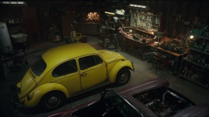 1967 Yellow Volkswagen Beetle of Charlie Watson (Hailee Steinfeld) in Bumblebee Movie