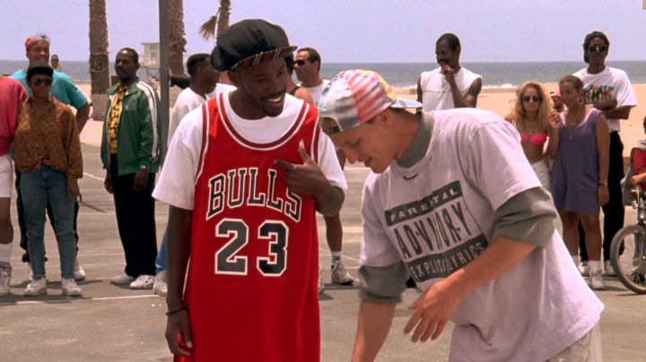 '23' Chicago Bulls 90's Jersey worn by Junior (Kadeem Hardison) as seen in White Men Can't Jump - Movie Outfits and Products