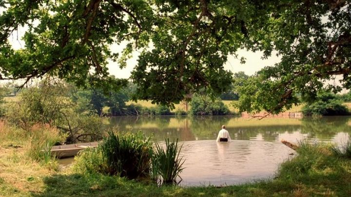 A pond in Rougnat (Bordeaux Castle) in All the mornings of the world - Movie Outfits and Products