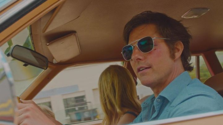 AO Eyewear Aviator Classic Sunglasses worn by Barry Seal (Tom Cruise) as seen in American Made - Movie Outfits and Products