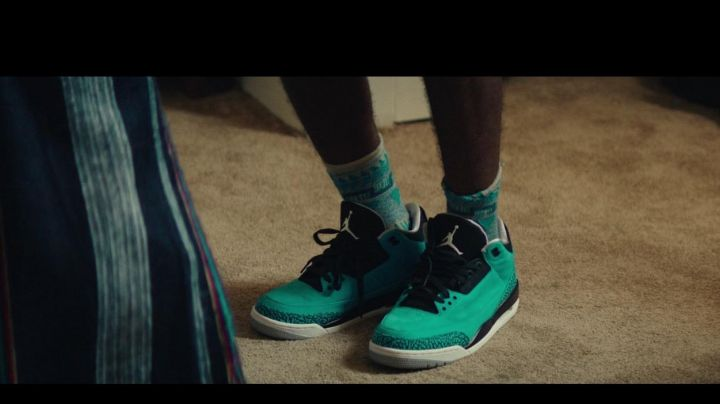 Air Jordan 3 Powder Blue in Dope - Movie Outfits and Products