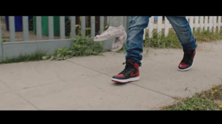 Air jordan 1 bred Film Kicks Jahking Guillory - Movie Outfits and Products