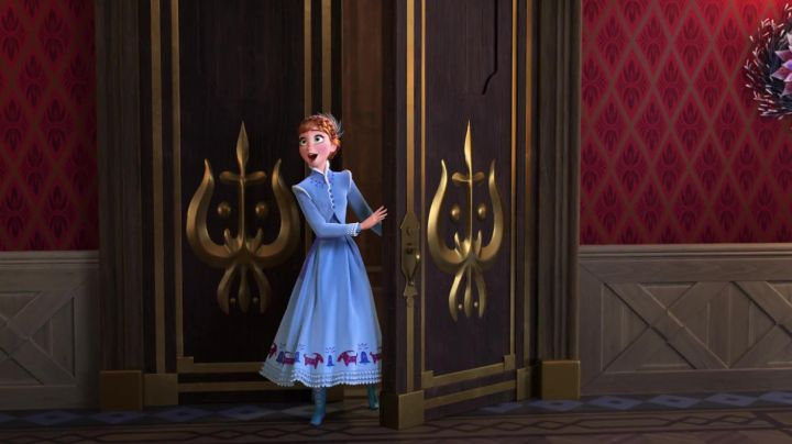 Anna limited edition in The snow queen Happy holidays with Olaf (doll) - Movie Outfits and Products