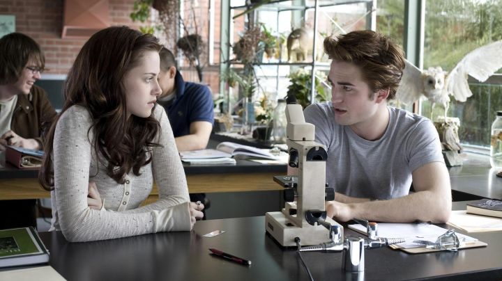 Authentic gray t-shirt worn by Edward Cullen (Robert Pattinson) in Twilight