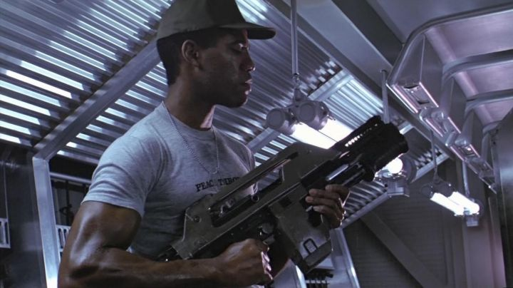 Fashion Trends 2021: Authentic gray t-shirt worn by Frost (Ricco Ross) in Aliens - The return