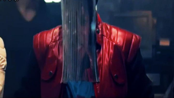 Authentic red jacket with a dancer of Michael Jackson in the video for Behind The Mask movie