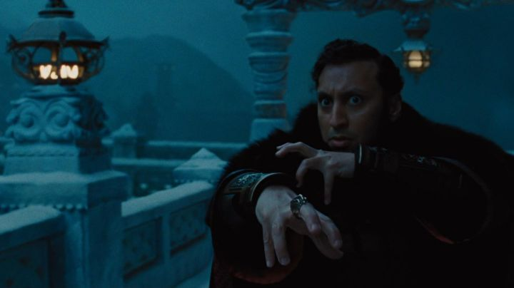 Authentic rings of Commander Zhao (Aasif Mandvi) in The Last Master of the air - Movie Outfits and Products