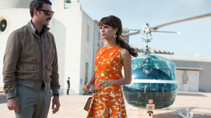 Bag yellow Delvaux Gaby Teller (Alicia Vikander) in The Man from U. N. C. L. E. movie