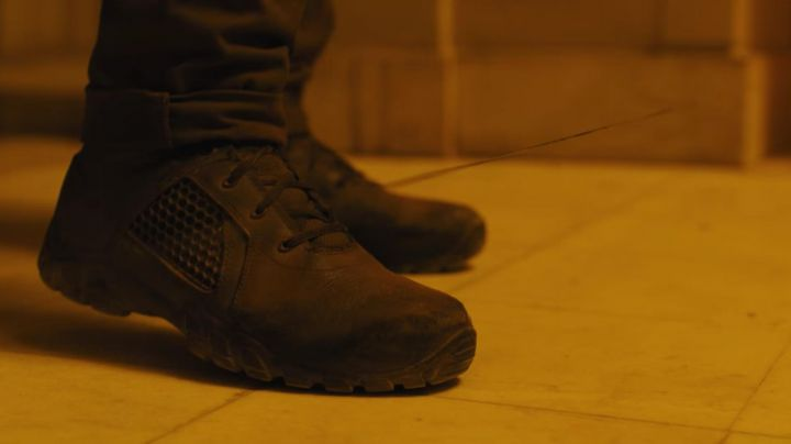 Fashion Trends 2021: Bates Shock Tactical black boots worn by Officer K (Ryan Gosling) as seen in Blade Runner 2049