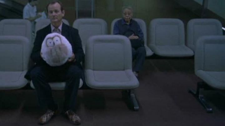 Bill Murray carries the Air Woven in Lost in Translation - Movie Outfits and Products