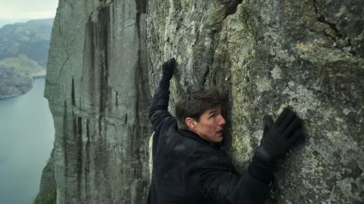 Black Climbing Gloves worn by Ethan Hunt (Tom Cruise) as seen in Mission: Impossible - Fallout - Movie Outfits and Products