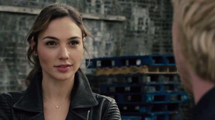 Black Leather Biker Jacket worn by Gisele Harabo (Gal Gabot) as seen in Fast and Furious 6 - Movie Outfits and Products