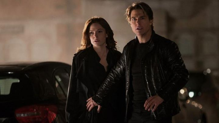 Black Leather Jacket worn by Ethan Hunt (Tom Cruise) as seen in Mission: Impossible - Rogue Nation - Movie Outfits and Products
