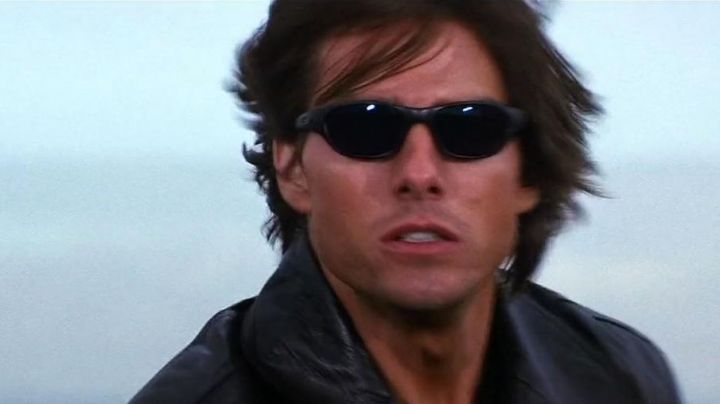 Black Oakley Fives Squares Sunglasses worn by Ethan Hunt (Tom Cruise) in Mission: Impossible II - Movie Outfits and Products