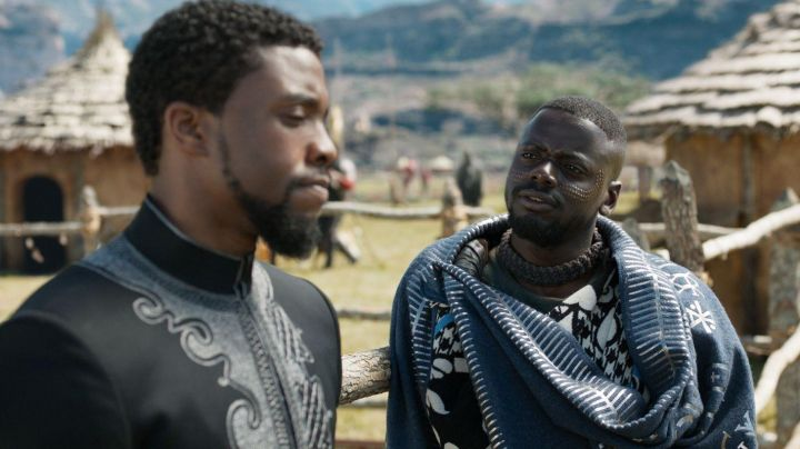 Black Panther / T'Challa (Chadwick Boseman) black tunic in Black Panther - Movie Outfits and Products