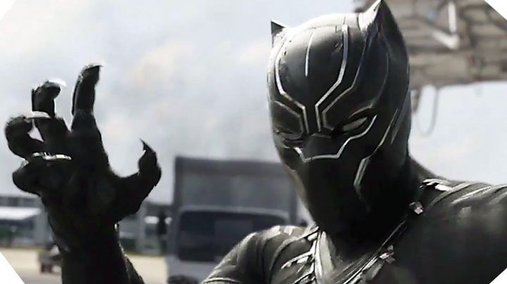 Black Panther / T'Challa (Chadwick Boseman) helmet in Black Panther - Movie Outfits and Products