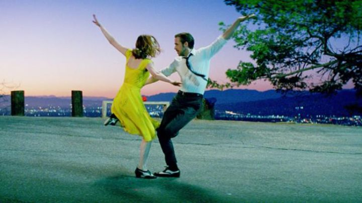 Black and white dance shoes of Sebastian (Ryan Gosling) in La La Land - Movie Outfits and Products