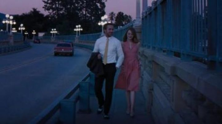 Black loafers and white-Sebastian (Ryan Gosling) in the The Land - Movie Outfits and Products
