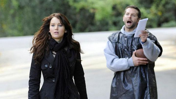 Black women trench coat of Tiffany (Jennifer Lawrence) in Silver Linings Playbook Movie