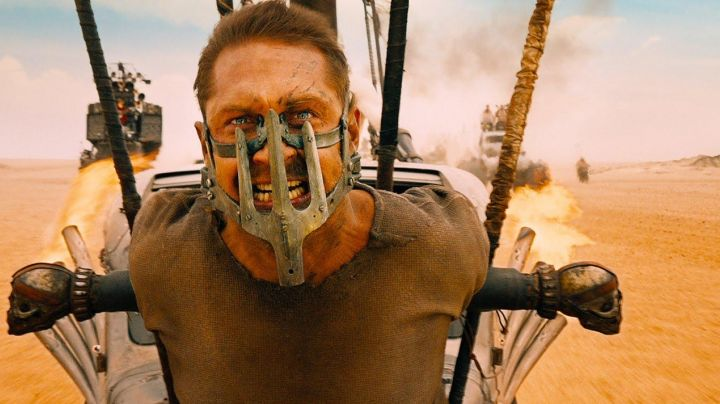 BloodBag Steel Mask of Max Rockatansky (Tom Hardy) in Mad Max: Fury Road - Movie Outfits and Products
