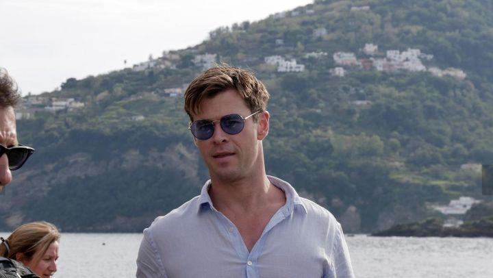 Blue Sunglasses worn by Agent H (Chris Hemsworth) as seen on the set of Men in Black: International - Movie Outfits and Products