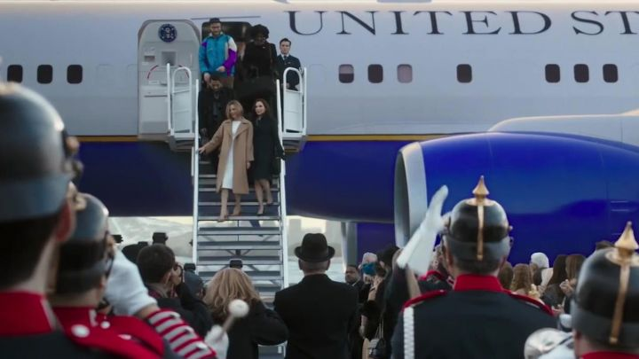 Boeing Air Force One of Charlotte Field (Charlize Theron) in Long Shot Movie