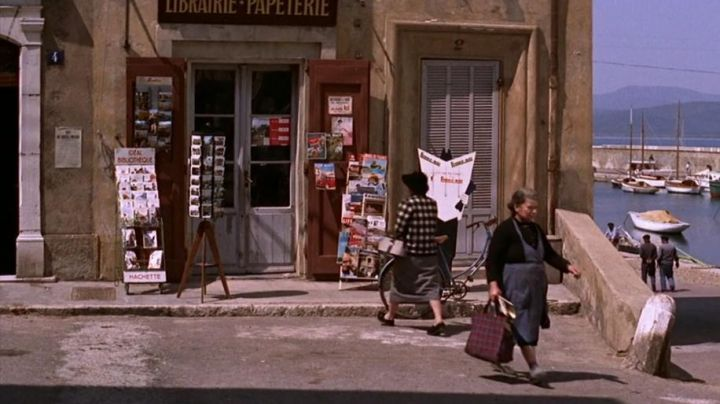 Bookstore/papeterie du 2 Rue du Cepoun San Martin, Saint-Tropez in the film And God created woman - Movie Outfits and Products