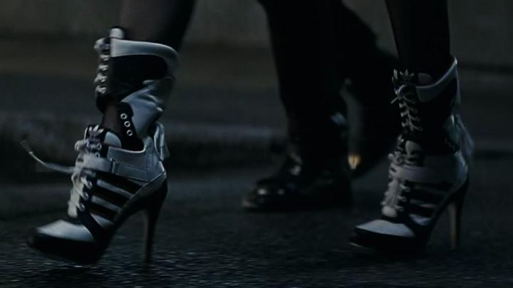 Boots Adidas of Harley Quinn (Margot Robbie) in Suicide Squad movie
