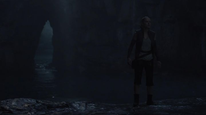 Boots Po-Zu of Rey (Daisy Ridley in Star Wars VIII: The Last Jedi