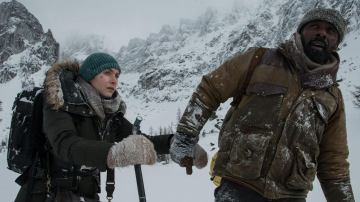 Brown Coat / Parka worn by Dr Ben Bass (Idris Elba) as seen in The Mountain Between Us - Movie Outfits and Products