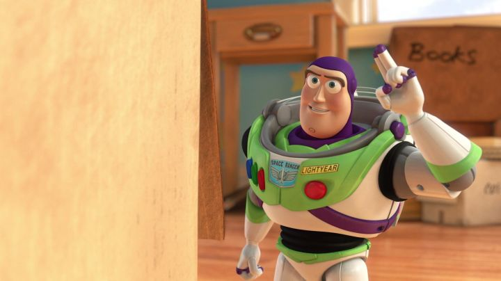 Buzz Lightning in Toy Story - Movie Outfits and Products
